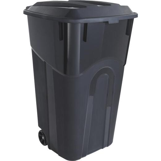 United Solutions Rough and Rugged 32 Gal. Outdoor Trash Can with Attached Lid